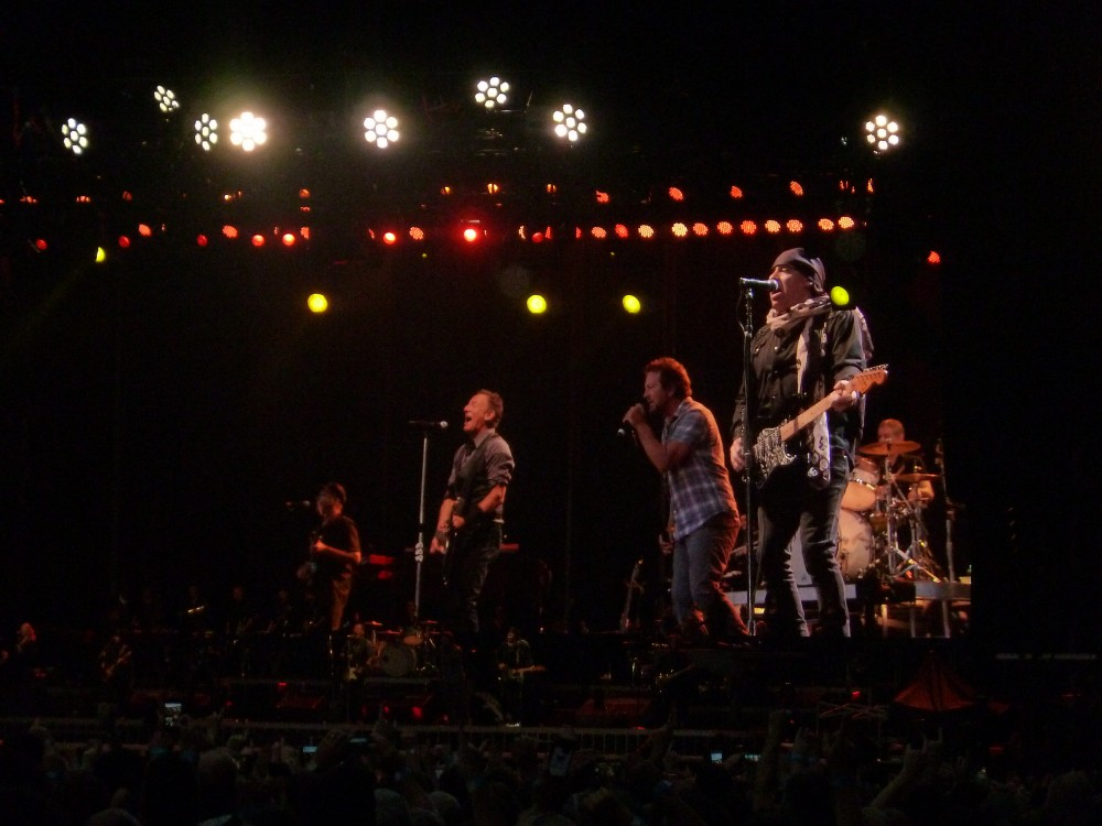 Eddie Vedder & The E Street Band