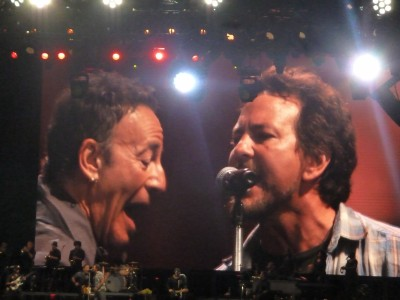 Bruce Springsteen and Eddie Vedder - Melbourne